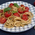 Linguine met amandelpesto en kerstomaatjes (linguine con pesto di mandorle e pomodorini)