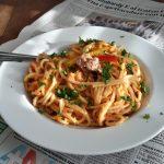 Spaghetti met romige tonijn-paprikasaus (spaghetti con crema di peperoni e tonno)