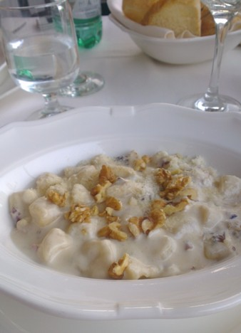 gnocchi met gorgonzola en walnoten
