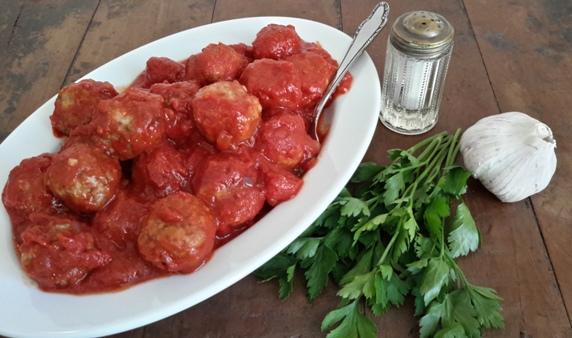 Gehaktballetjes in tomatensaus-2