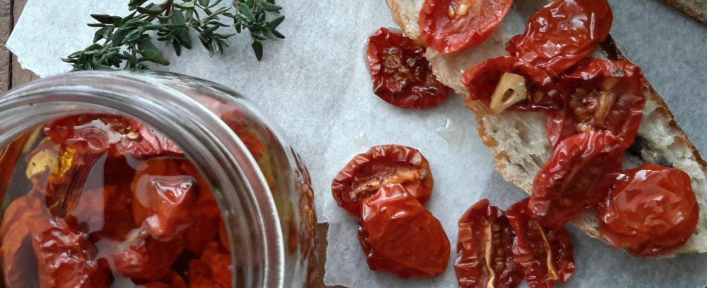 Pomodorini confit sott'olio (gekonfijte kerstomaatjes op olijfolie)