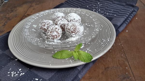 Marokkaanse dadel-walnotenballetjes-2