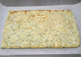 Opgerolde courgette-omelet met Parmezaanse kaas en ham-8