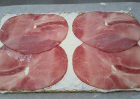 Opgerolde courgette-omelet met Parmezaanse kaas en ham-6